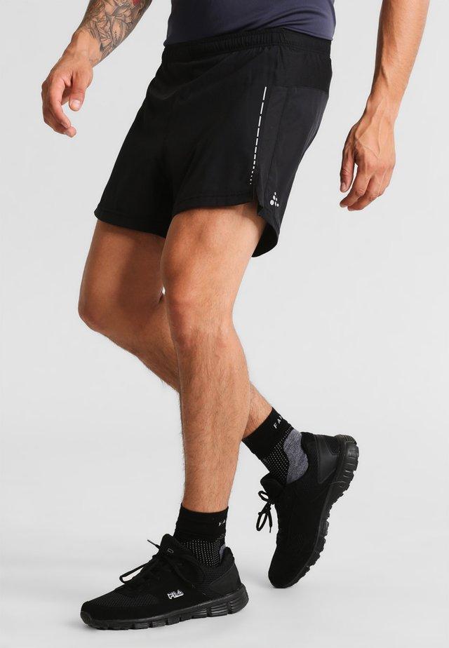 ESSENTIAL - kurze Sporthose - black