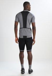 Craft - RISE SHORTS - kurze Sporthose - black/white - 2