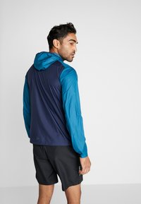 Craft - CHARGE LIGHT JACKET  - Laufjacke - universe blaze - 2