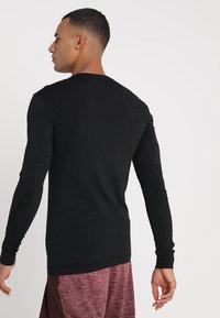Craft - COMFORT - Camiseta de deporte - black - 2