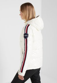 CMP - WOMAN JACKET FIX HOOD - Winterjas - white - 2