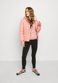 CMP - WOMAN JACKET FIX HOOD - Kurtka Outdoor - flamingo