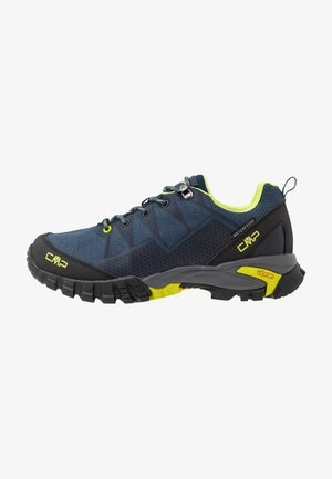 TAURI LOW TREKKING SHOE WP - Hiking shoes - plutone