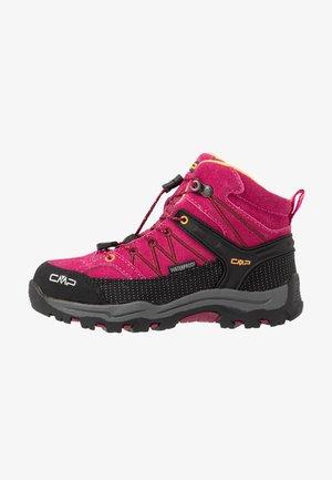 KIDS RIGEL MID SHOE WP - Chaussures de marche - bouganville/goji
