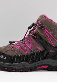 CMP - KIDS RIGEL MID SHOES WP - Hikingschuh - seppia/geraneo - 2
