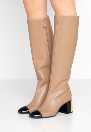 Vysoká obuv - nero/toffee/golden