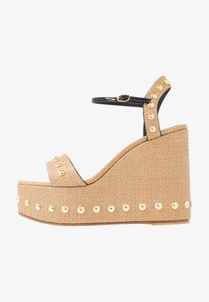 Sandály na vysokém podpatku - natur