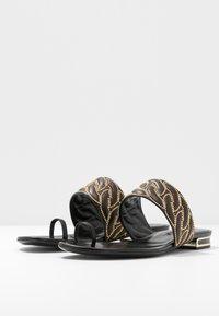 Casadei - Sandály s odděleným palcem - minorca nero - 4