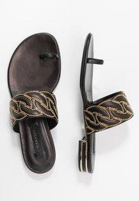 Casadei - Sandály s odděleným palcem - minorca nero - 3