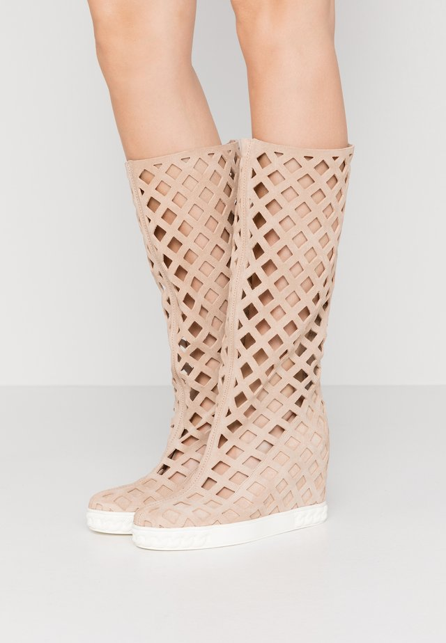 Wedge boots - beige