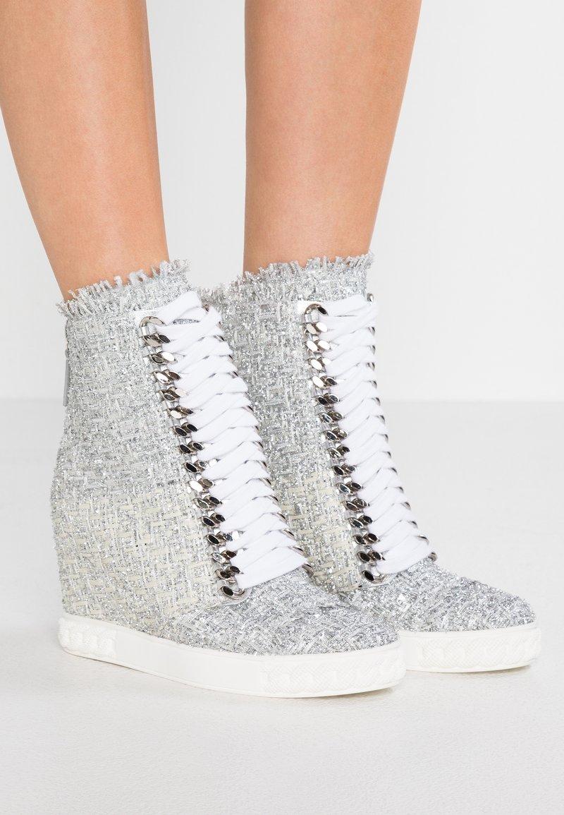 Casadei - LOLA ROCK CHAIN - Sneaker high - argento
