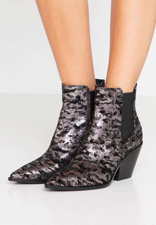 Cowboy/biker ankle boot - galactus sinco