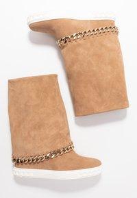 Casadei - Kotníkové boty na klínu - renna daphne - 3
