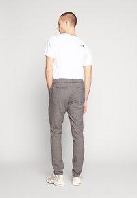 Cars Jeans - RODRIGO PANT - Trousers - antra - 2