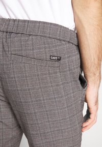 Cars Jeans - RODRIGO PANT - Trousers - antra - 5
