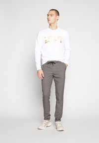 Cars Jeans - RODRIGO PANT - Trousers - antra - 1