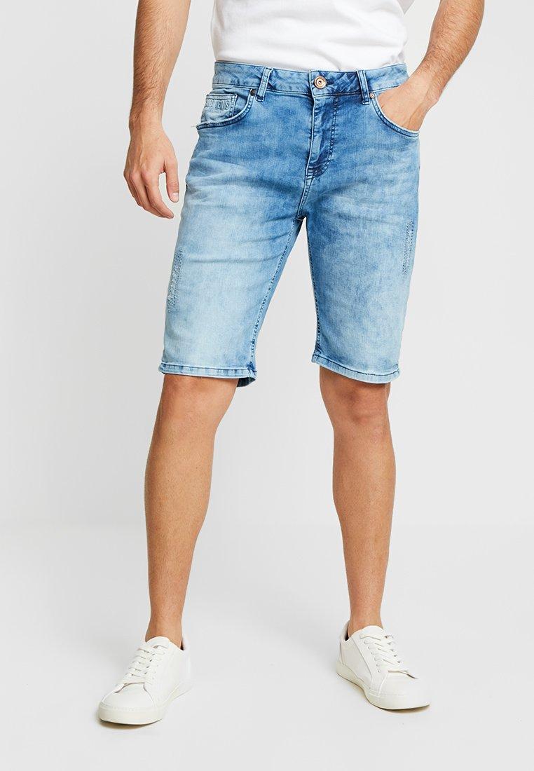 Cars Jeans - TREVOR - Farkkushortsit - bleached used
