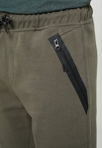 Cars Jeans - BRAGA - Træningsbukser - army - 4