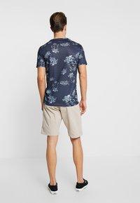 Cars Jeans - TINO - Shorts - sand - 2