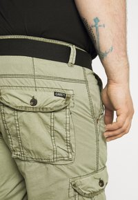 Cars Jeans - DURRAS PLUS - Cargo trousers - olive - 4