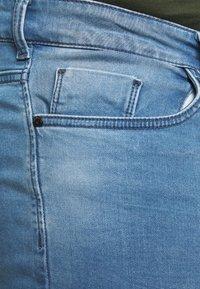 Cars Jeans - TUCKY PLUS - Denim shorts - bleached - 5