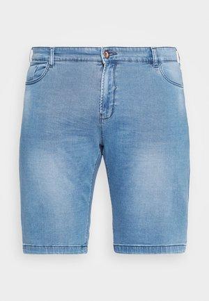 TUCKY PLUS - Denim shorts - bleached
