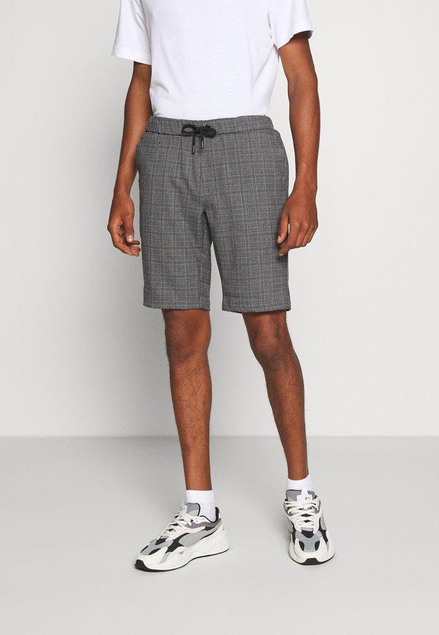 REVALO - Shorts - antra