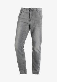 Cars Jeans - PRINCE - Džíny Straight Fit - grey used - 5