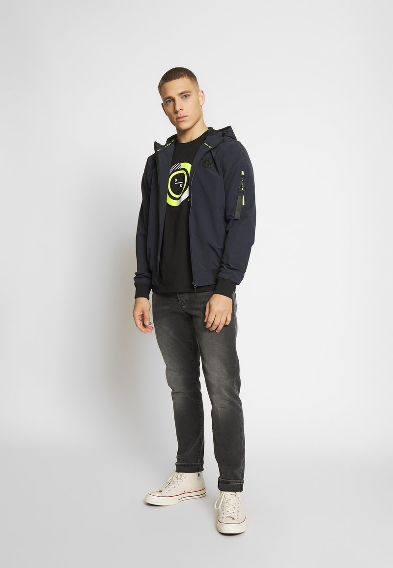 Cars Jeans NASCAL - T-shirts med print - black