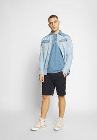 Cars Jeans - RECHARGE  - T-shirt print - light blue - 1