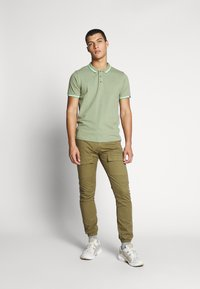 Cars Jeans - MONTEREY - Polo - light olive - 1
