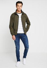 Cars Jeans - GAVINO - Leichte Jacke - olive - 1