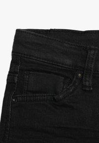 Cars Jeans - KIDS TUCKY - Džínové kraťasy - black used - 2
