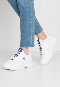 Champion - SHOE - Sneakersy niskie - white - 0