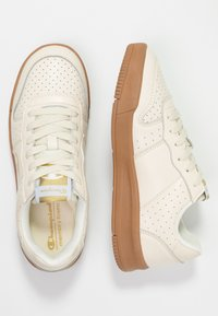 Champion - LOW CUT SHOE  - Nøytrale løpesko - offwhite - 1