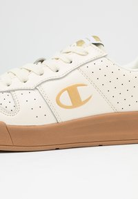 Champion - LOW CUT SHOE  - Nøytrale løpesko - offwhite - 5