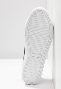 Champion - LOW CUT SHOE ALEX GLITTER - Sportovní boty - new black - 4