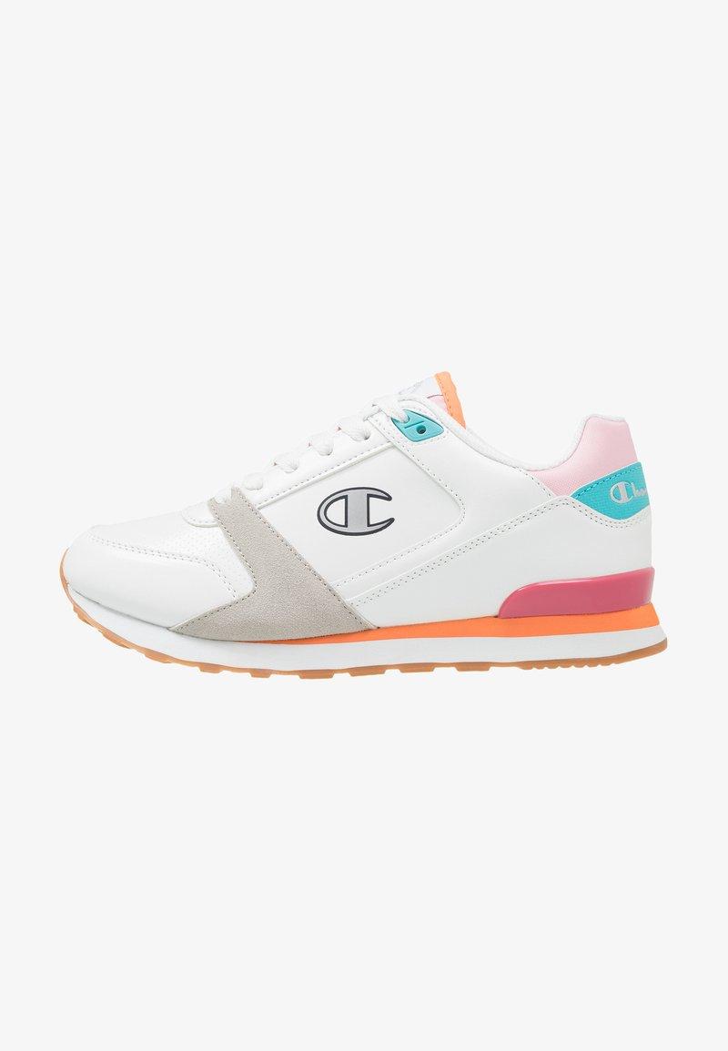 Champion - CUT SHOE C.J. - Neutrala löparskor - white/blue/orange/fuxia/pink