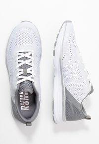 Champion - LOW CUT SHOE JANE - Sports shoes - white - 1