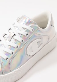 Champion - LOW CUT SHOE ERA IRIDESCENT - Sneaker low - silver metallic - 5