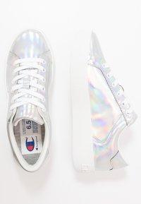 Champion - LOW CUT SHOE ERA IRIDESCENT - Sneaker low - silver metallic - 1