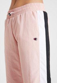 Champion - ELASTIC CUFF PANTS - Pantalon de survêtement - pink - 5