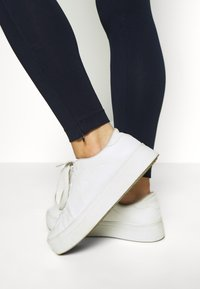 Champion - LEGGINGS - Tights - dark blue denim - 3