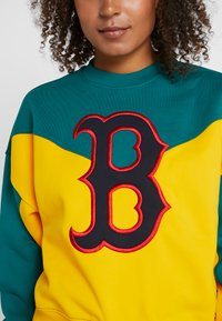 Champion - MLB BOSTON RED SOX CREWNECK - Klubové oblečení - yellow/green - 3