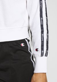 Champion - HOODED - Bluza z kapturem - white - 7