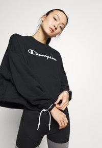 Champion - HIGH NECK  - Sweatshirt - black - 0