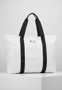 Champion - LARGE SHOULDER BAG - Sports bag - white - 3