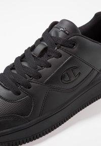 Champion - CUT SHOE REBOUND - Sneakersy niskie - black - 5