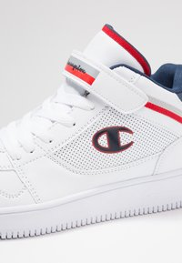 Champion - MID CUT SHOE REBOUND VINTAGE - Basketbalové boty - white - 5