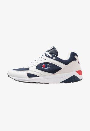 LOW CUT SHOE TORRANCE - Chaussures d'entraînement et de fitness - white